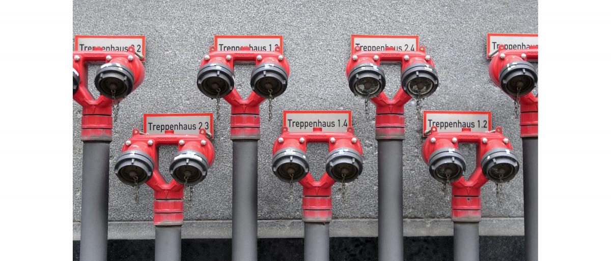 Six raccordements d'eau incendie