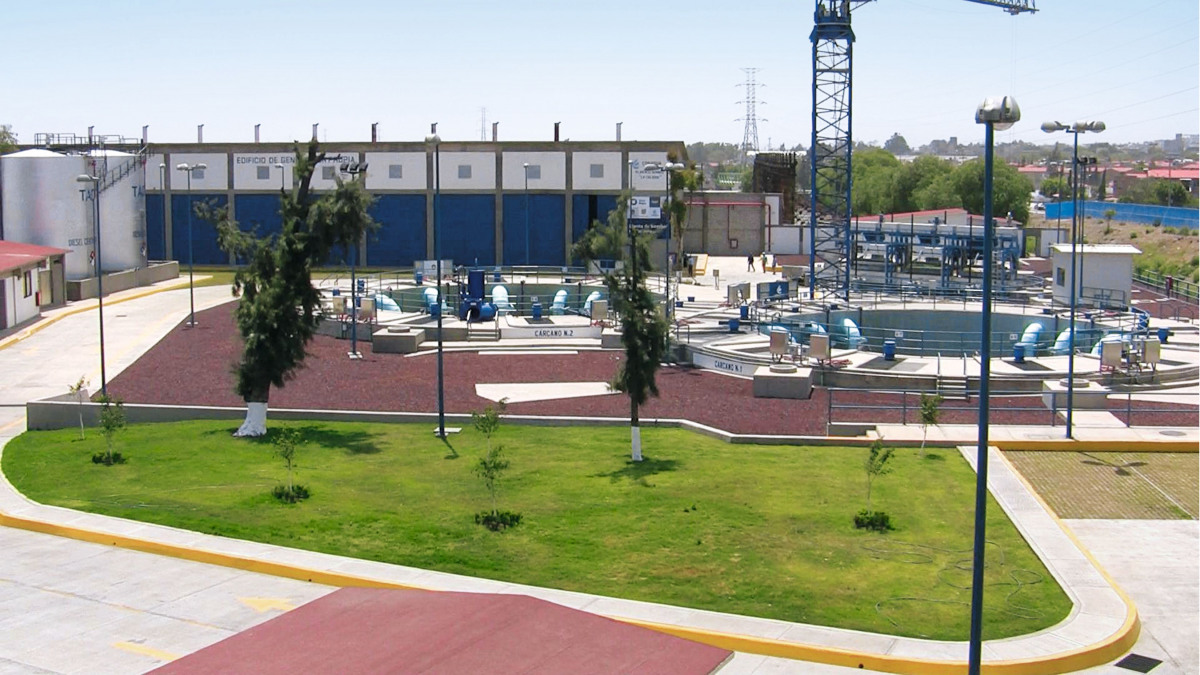 La station de pompage de La Caldera avec son canal d'évacuation des eaux usées