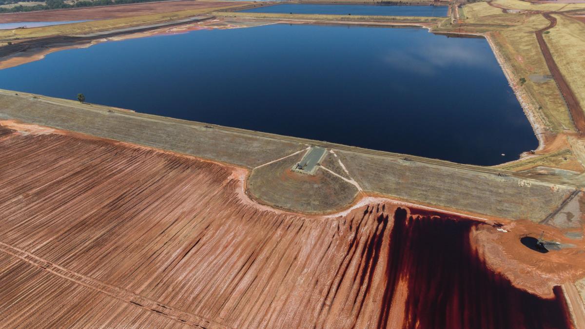 Lago artificiale di cava e vasca di sedimentazione