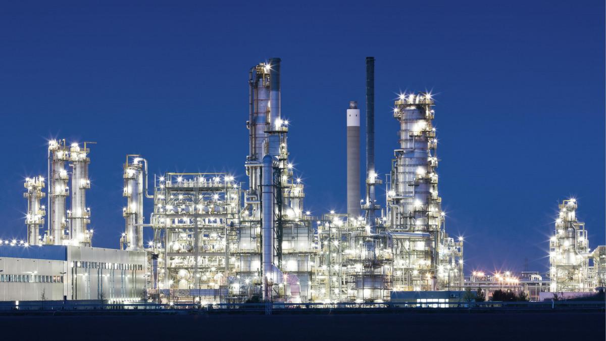 Öl- und Gas-Gewinnung und Förderung mit Pumpen und Armaturen von KSB