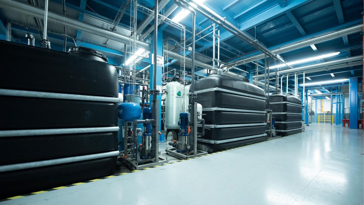 Jäähdytysveden valmistelun säiliöt