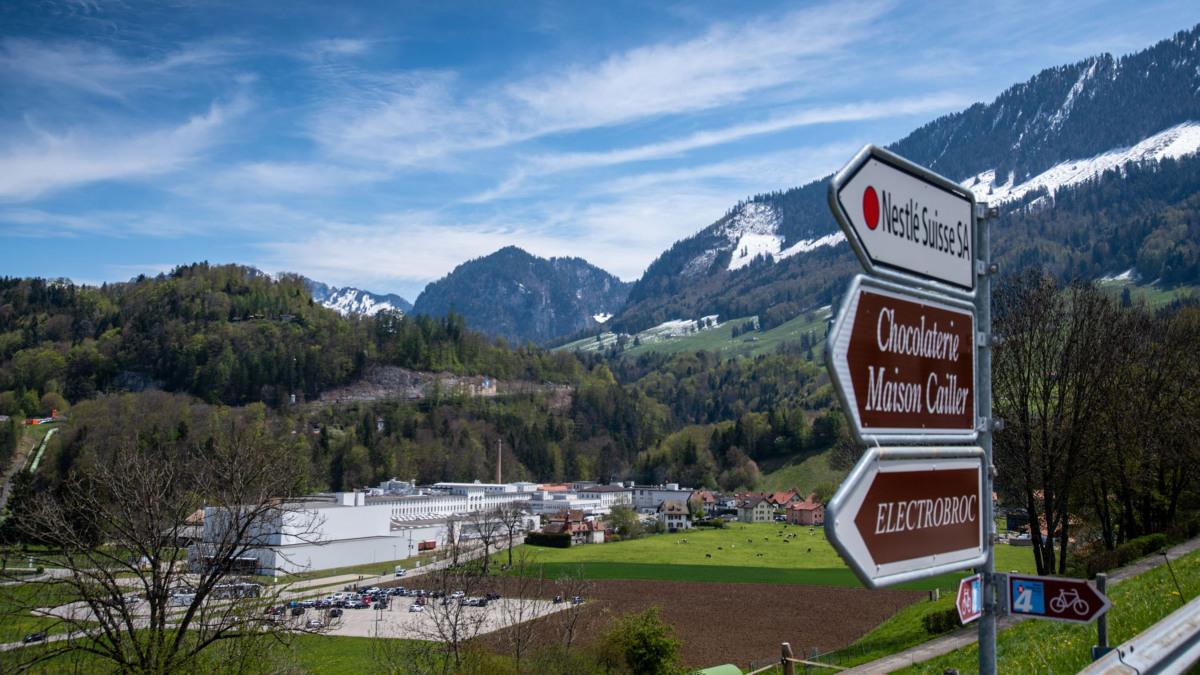 Lo stabilimento per la produzione di cioccolato Nestlé Cailler