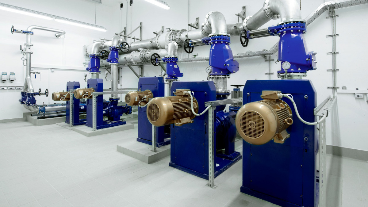 Waste water pumps used in a plant for waste water treatment