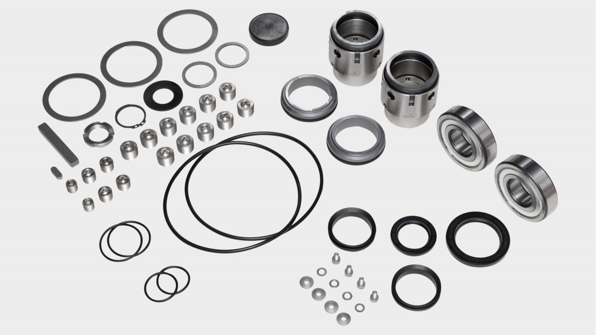 Overview spare parts kit of a KSB Omega pump – including impeller, shaft and mechanical seal