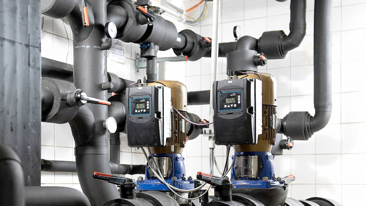 Piping, valves and Movitec VF pumps equipped with PumpDrive 2