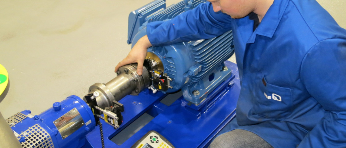 Checking alignment with laser measurement equipment