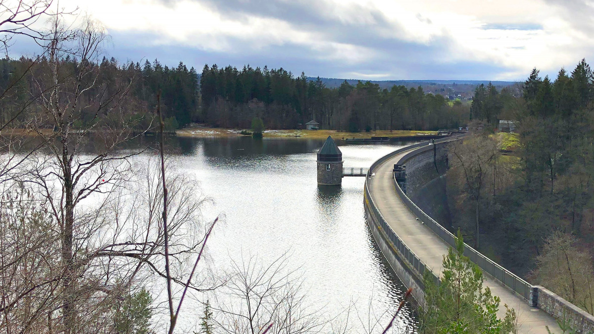 Reservoir and dam of the Dreilägerbachtalsperre near Roetgen
