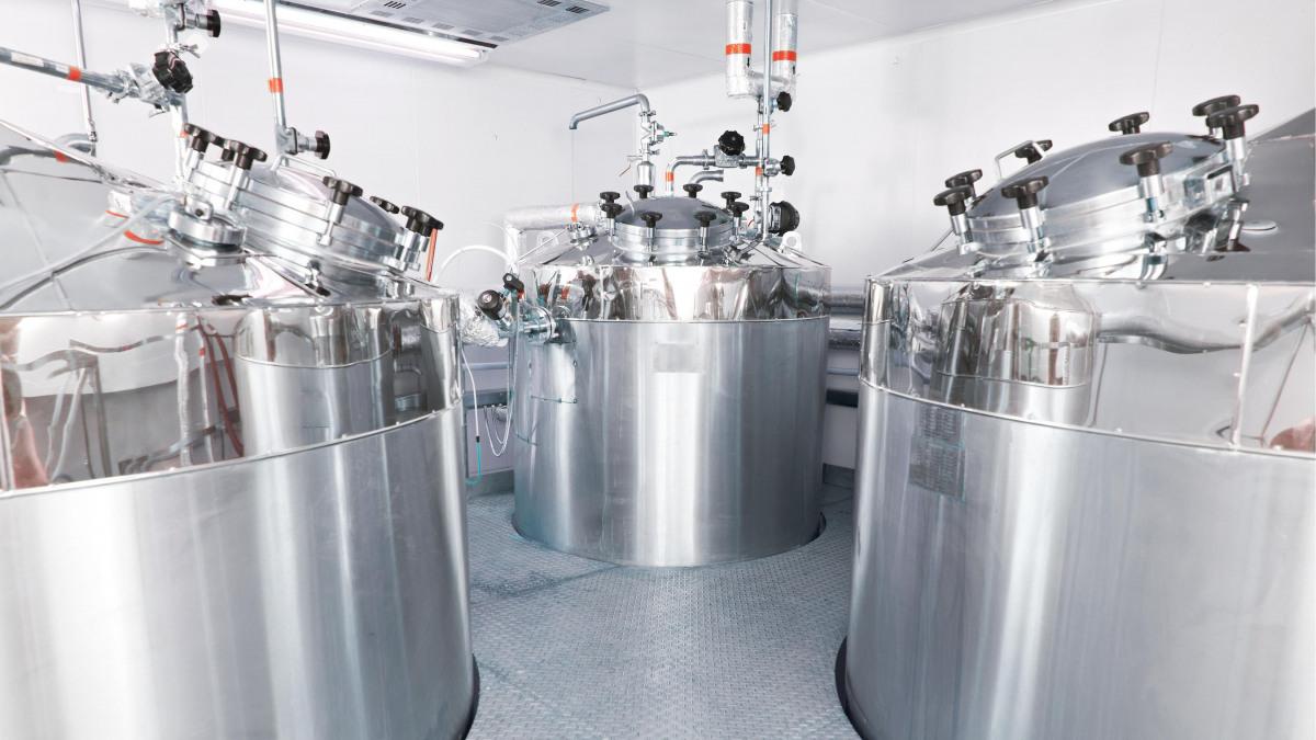 Instalación farmacéutica de tratamiento de aguas