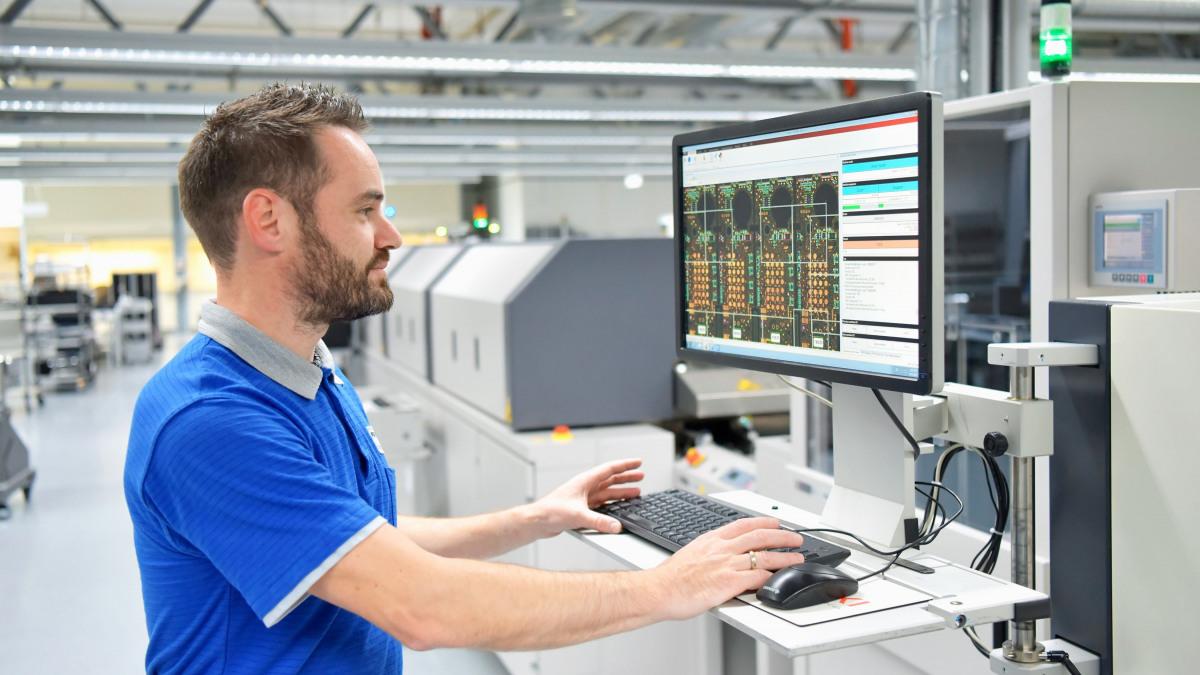Illustration de l'IIdO : surveillance intelligente d'une installation de production