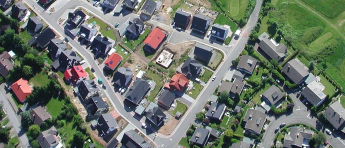 Wohnhäuser einer Siedlung