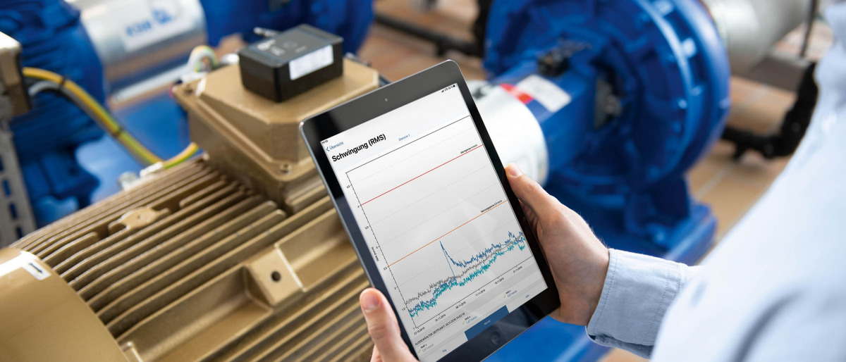 Anzeige digitaler Pumpen-Zustandsdaten auf einem Tablet.