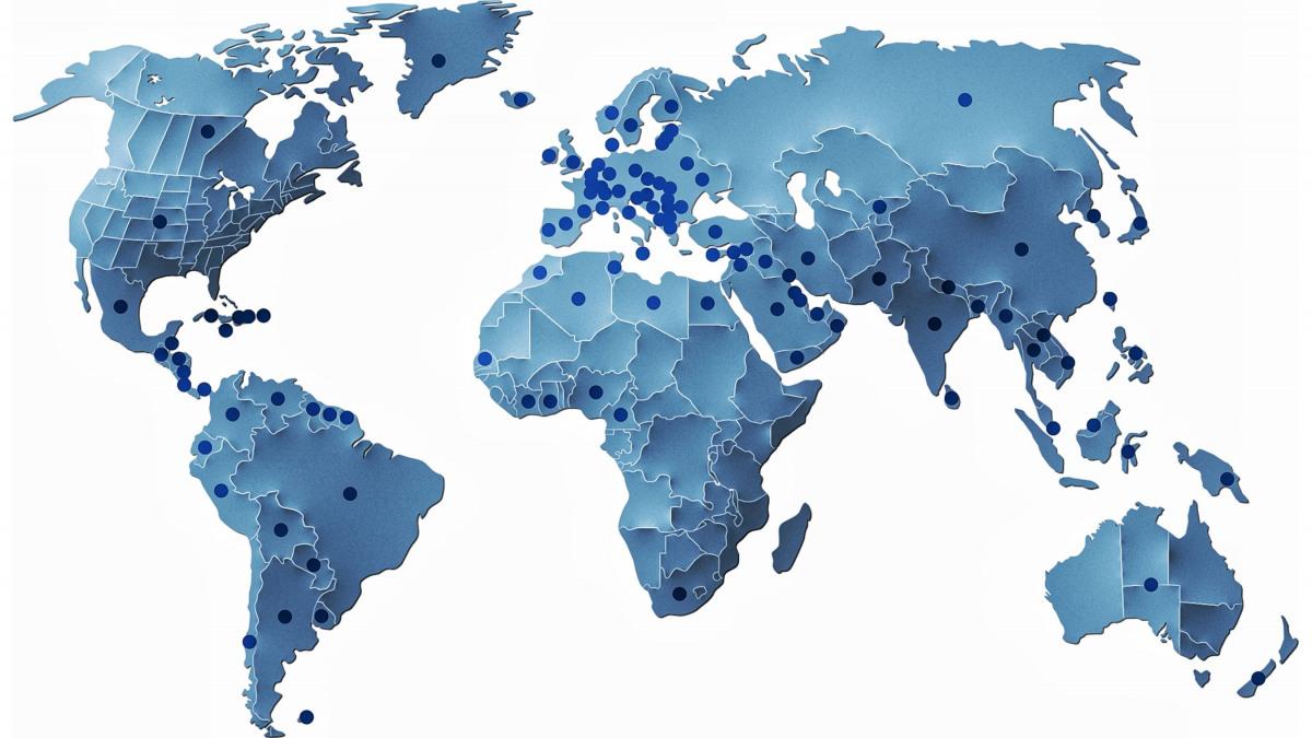 Die Weltkarte zeigt die Standorte von KSB als Punkte