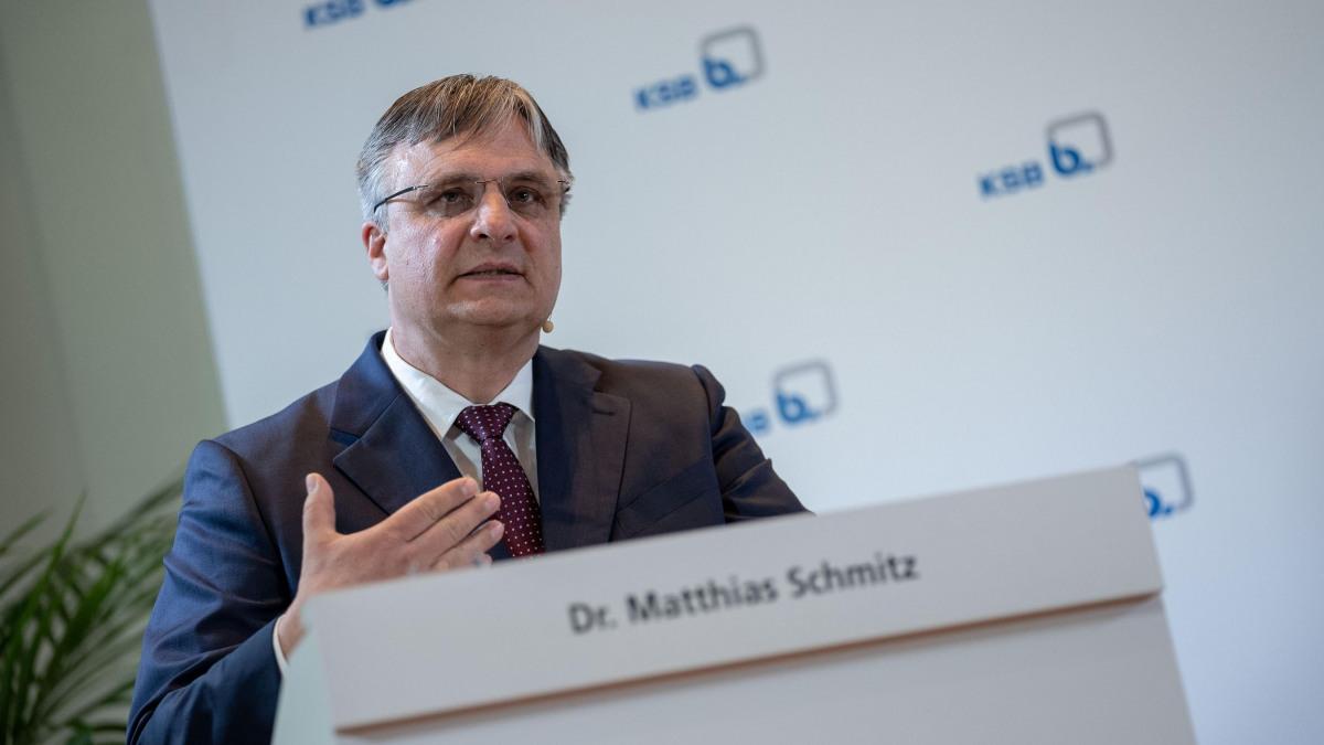 Der Geschäftsführende Direktor Dr. Matthias Schmitz stellte sich den Fragen der Aktionäre
