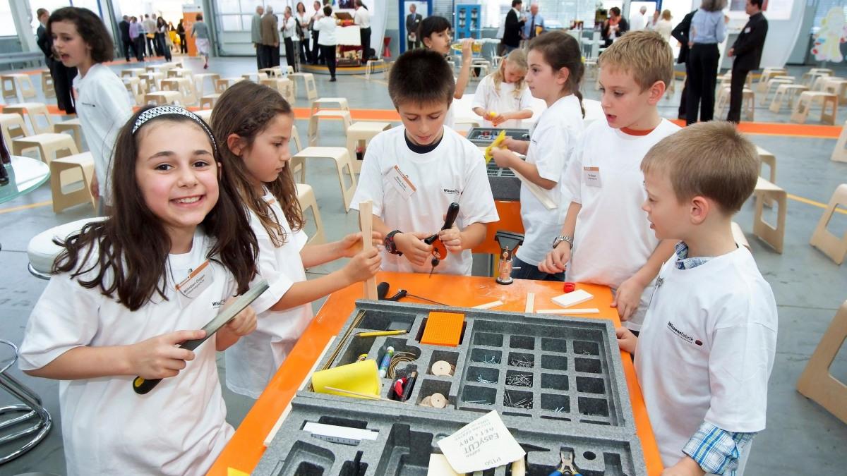 """Children in the """"Wissensfabrik"""""""