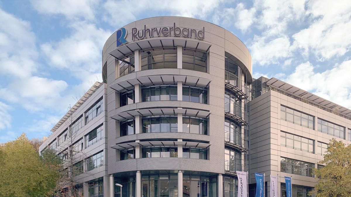 La centrale della Ruhrverband ad Essen vista dall'esterno