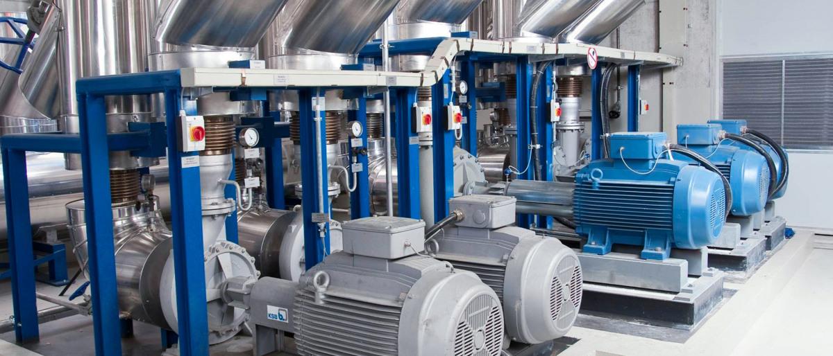 Bild einer Thermoölanlage für eine Pressenbeheizung mit einer KSB Etabloc SYT