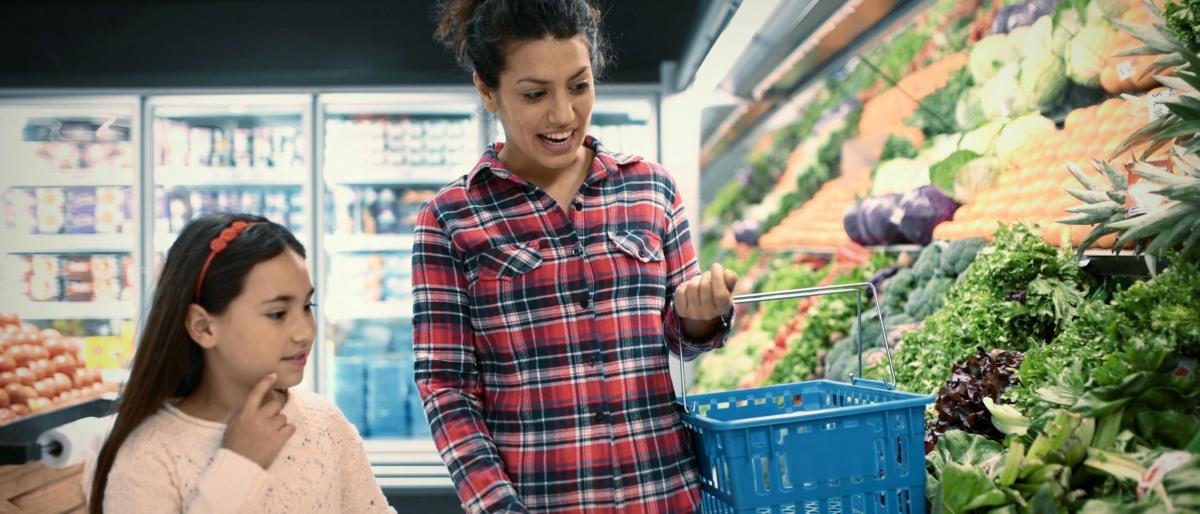 Susanne beim Einkauf