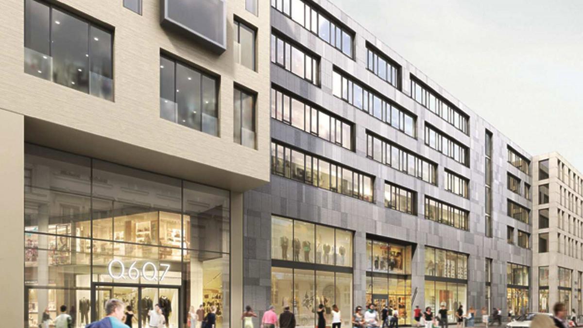 La façade du quartier urbain Q 6 Q 7 à Mannheim côté rue