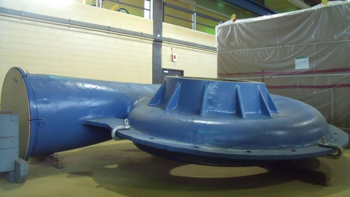 D'un poids de 38 tonnes, la pompe a un diamètre de roue de 1905 mm.