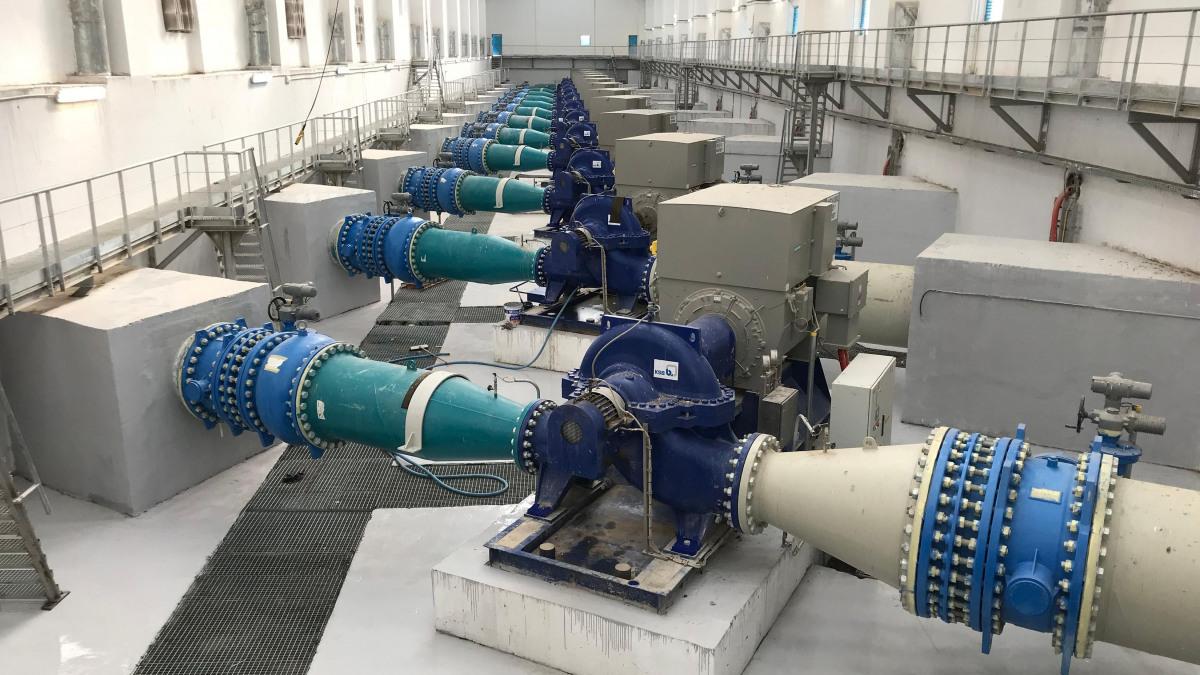 Pumpstation Ain Kercha mit elf KSB Spiralgehäusepumpen vom Typ RDLP 500-900.