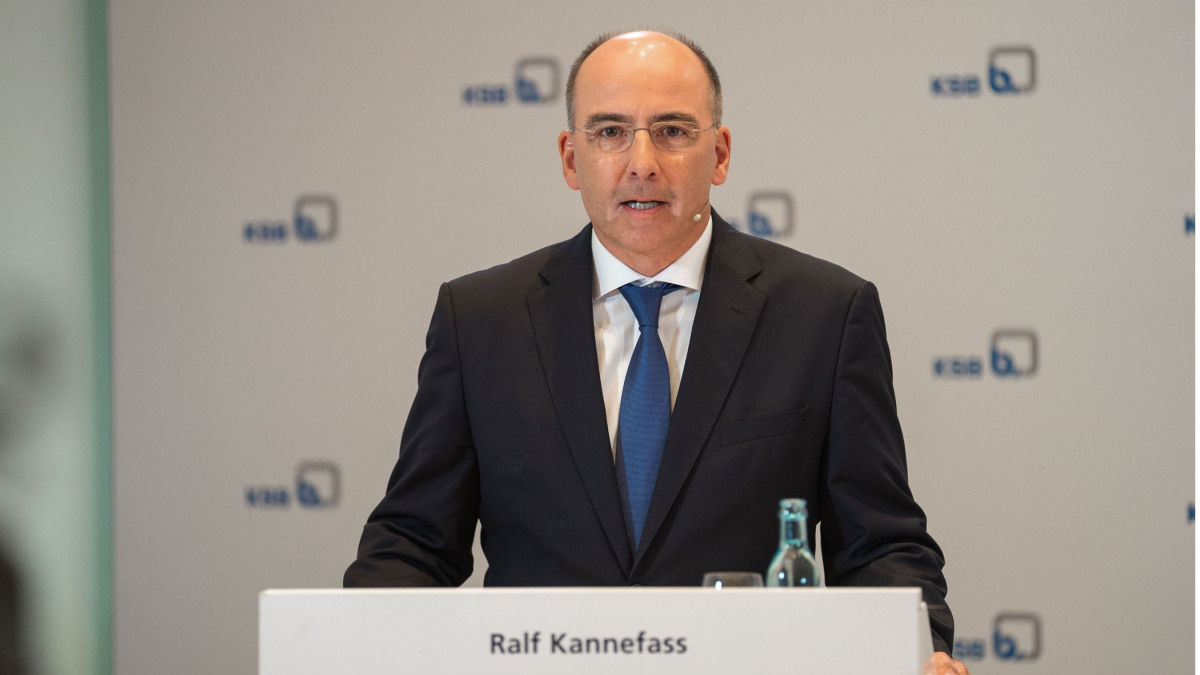 Managing Director Ralf Kannefass (CSO) answered questions on sales and marketing.