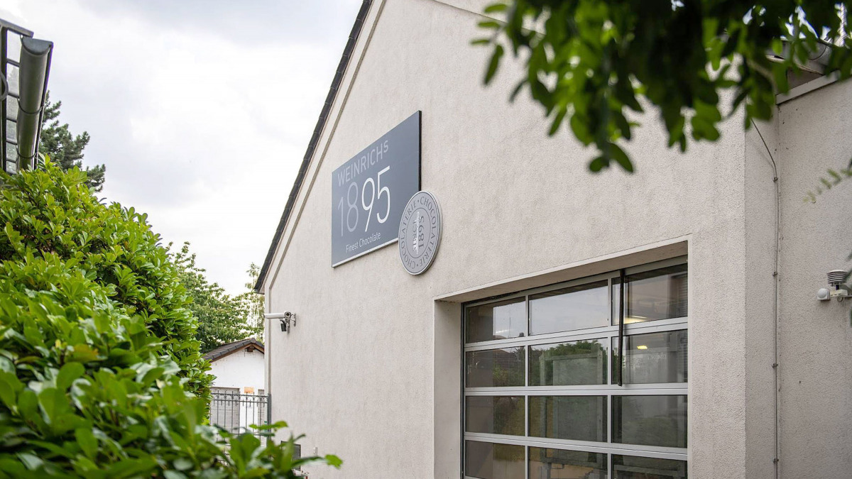Firmengebäude der Ludwig Weinrich Schokoladenfabrik von außen