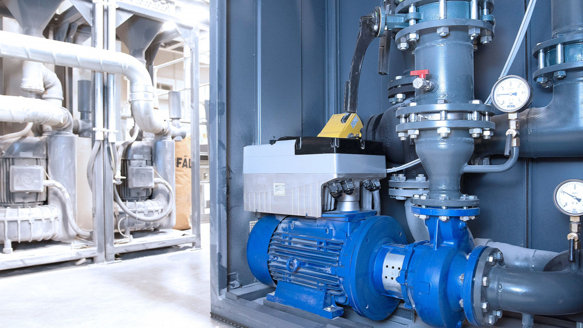 Etabloc Pumpe mit PumpDrive 2 in einer Kühleinheit