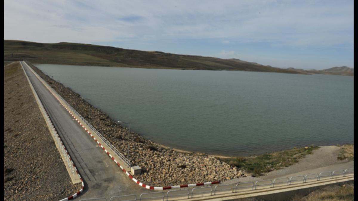 Wassertransfer vom Staudamm Athmania